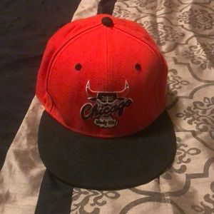 Chicago bulls snap back. Fits all sizes
